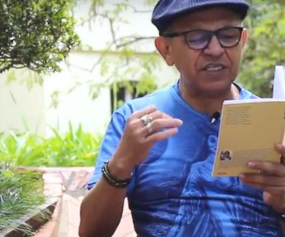 """Costa Senna lê """"Eram os poetas astronautas?"""", de Sérgio Vaz"""