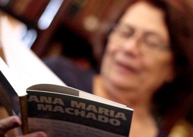 Ana Maria Machado em conversas com professores